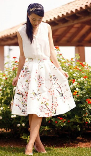 Letní bílá sukně
