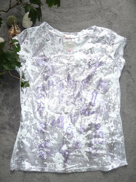 00* Dámské bílé triko s designovým potiskem CZT9B