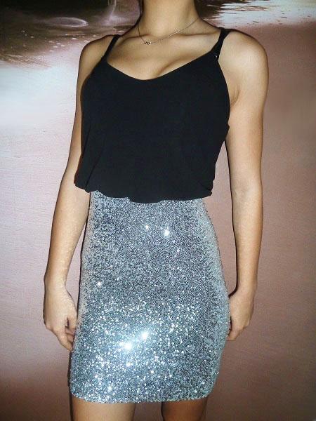 00* Dámské společenské šaty černostříbrné
