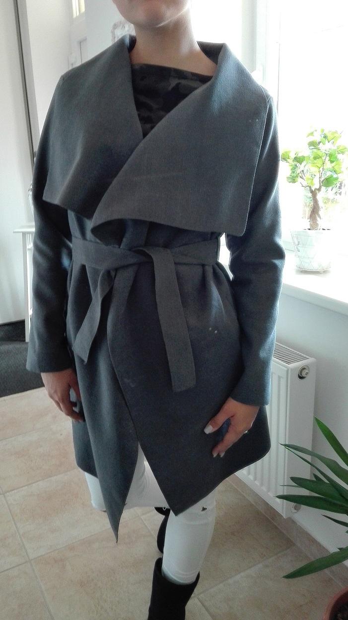 00* Dámský kabát šedý s kapsami
