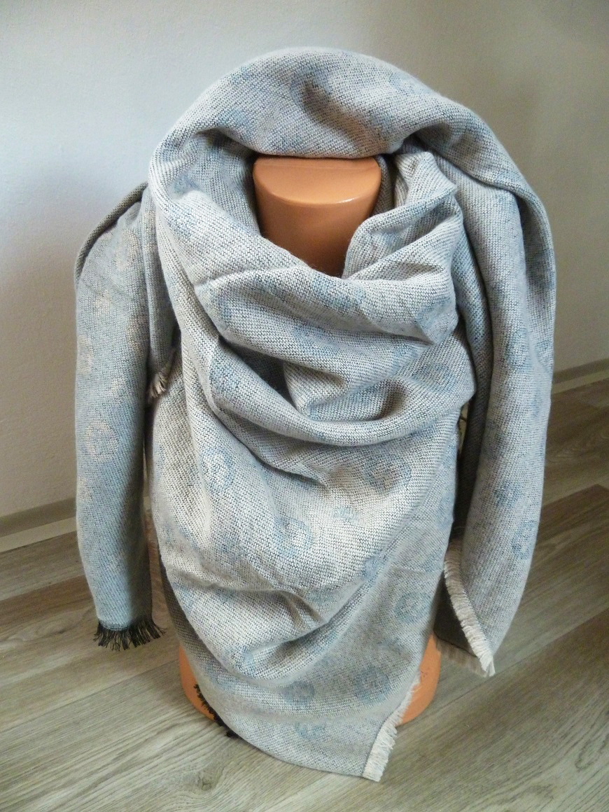 001 Dámský zimní šátek masivní oboustranný I. be9b770f27