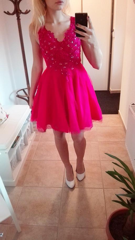 Plesové šaty- koktejlky s krajkou a květy - růžové