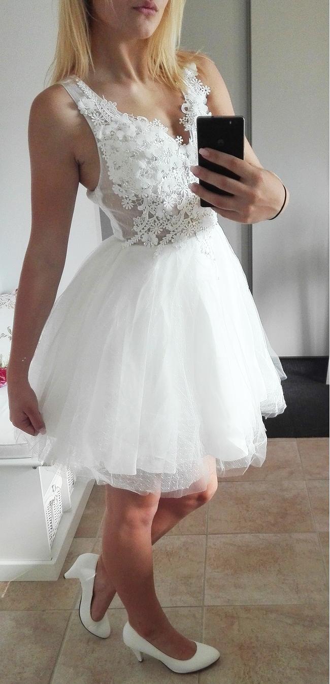 Plesové šaty- koktejlky s krajkou a květy - bílé (Velikost : S/M)