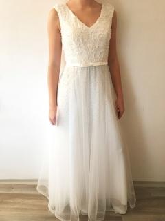 013ca888466 Plesové šaty dlouhé bílé s krajkovým živůtkem