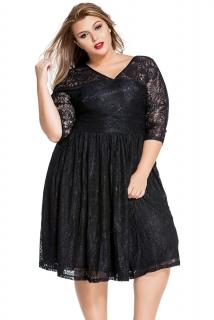 3a56f099e76 02 Dámské šaty pro plnoštíhlé krajkové černé