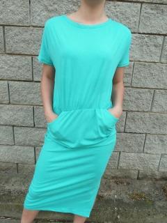 a9185f390670 Letní šaty dlouhé s kapsami zelené