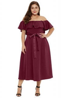 f40ea75cf097 Společenské šaty pro plnoštíhlé s odhalenými rameny vínové