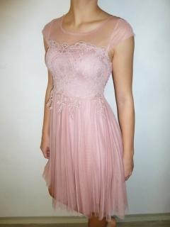 Společenské šaty růžové s krajkovou výšivkou 4d591692c9